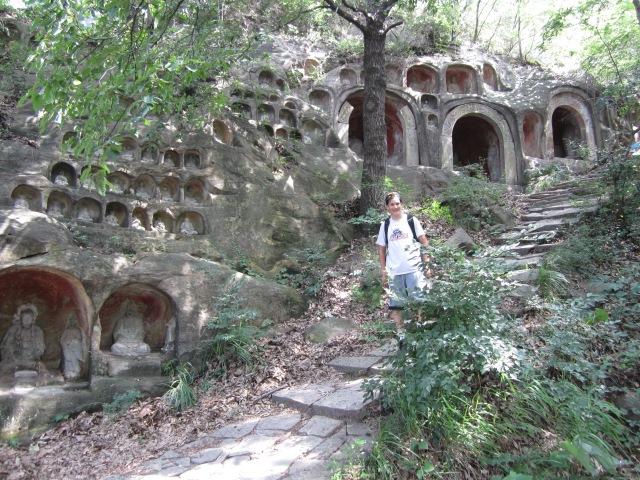 nanjing buddha cave10 really many
