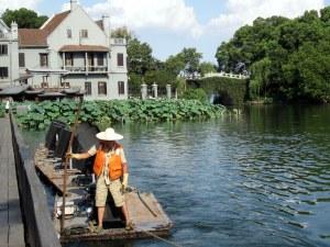 hangzhou west lake boatman