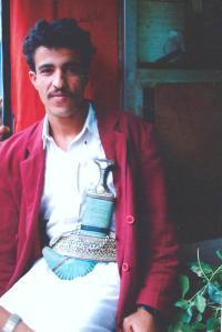 man with jambiya 1